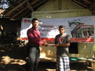 Renovasi total Mushalla Tajug di Kampung Cilame Pesantren RT 01/RW 04, Desa Mandalawangi, Kecamatan Nagreg, Kabupaten Bandung.  (sayasih/ymn)