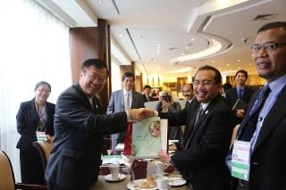 Menteri Pertanian RI Suswono dan Menteri Pertanian Taiwan Bao-Ji Chen bertemu di Beijing, Jumat (19/9)