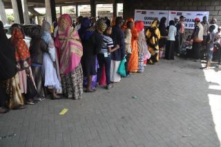 Penyaluran Kurban PKPU kepada muslim Kenya, Afrika, Sabtu (4/10/14