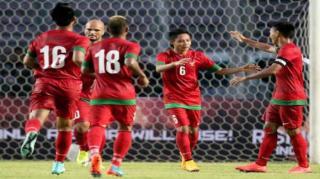 Bermain konsisten dan mencetak gol pada laga perdana, menjadi bukti kalau Evan Dimas layak masuk Timnas Senior.  (tribunnews.com)