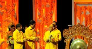 Aburizal Bakrie pada pembukaan Munas IX Partai Golkar di Bali, Ahad (30/11/14).  (viva.co.id)