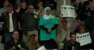 wanita protes trump