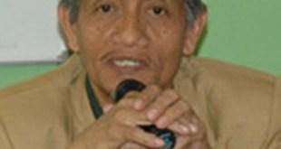 Prof.DR. HM. Roem Rowi, MA