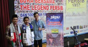 Legenda Persib, Djajang Nurjaman hadir dalam Buka Puasa Bersama Yatim di Gedung Auditorium RRI Bandung, Kamis (30/6/2016). (fadsupp/putri/PKPU)
