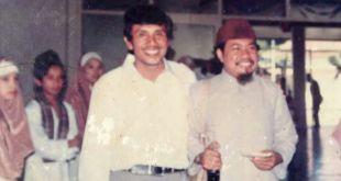 Ustadz Ruslan Effendi (kiri) bersama Ustadz RahmatAbdullah (kanan). (IST)