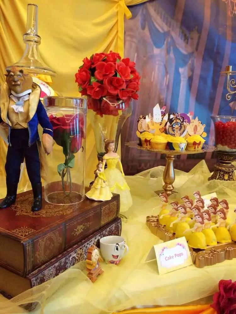 Fiesta tem tica bella y bestia for Decoracion de mesa de cumpleanos