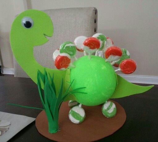 Centros de mesa dinosaurios for Hacer mesa de centro facil
