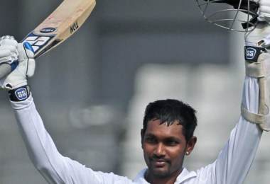 Denesh-Ramdin-celebrates-his-third-Test-hundred-AP-copy-fc-750x400