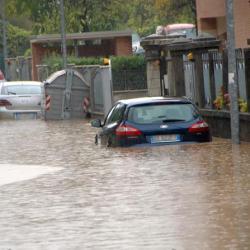 Vicenza 01 11 10 VI Maltempo e fiumi in piena  via Broton © Vito T. Galofaro