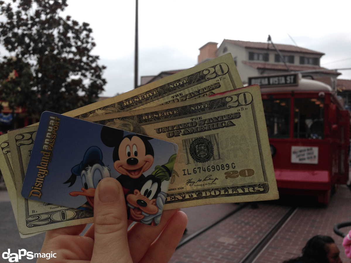 Is it Possible to Only Spend $40 on Food & Drink During an All Day Disneyland Resort Visit?