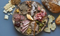 Charcuterie And Cheese Plate & Learn How To Easily Make A ...