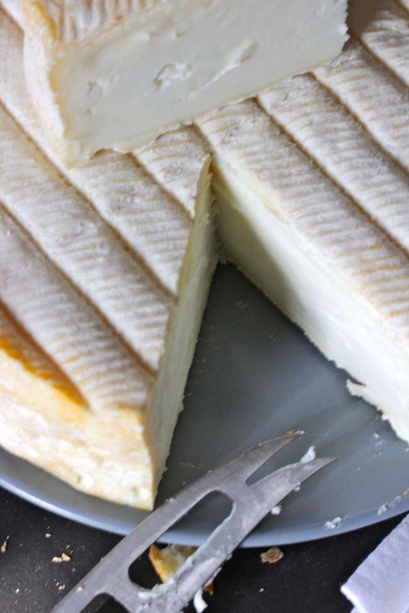 Knuthenlund-Rodkit-Ziegenmilch-Rotschmierkäse-Torte