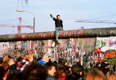 Berlin Duvarı'nın Yıkılışı ve Almanya'nın Yeniden Birleşmesi