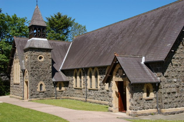 Magheramorne_Presbyterian_church_-_geograph_org_uk_-_176720