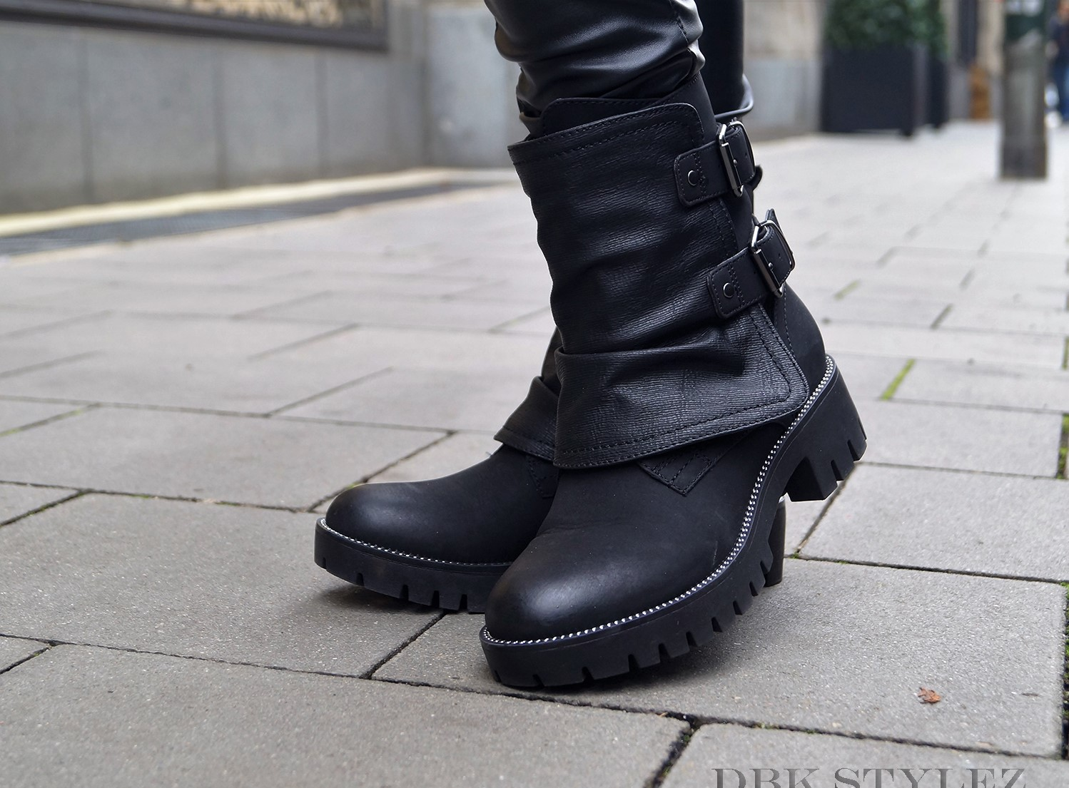 Organize Your Professional And Private Life Biker Boots