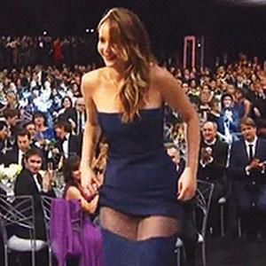 Jennifer Lawrence Dress Rips At Awards Show