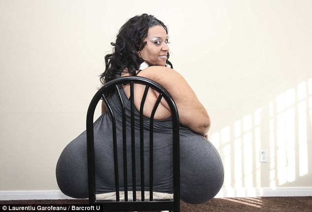 World's Largest Hips Have An 8 Foot Circumference