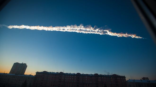 Russian Meteorite Explodes over Russia: Hundreds Injured