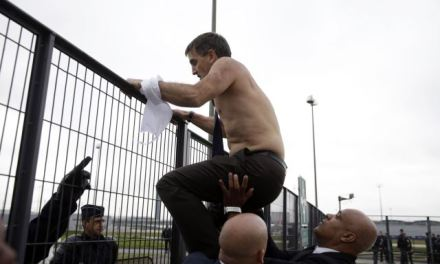 Air France Employees: Air France bosses fled a violent crowd