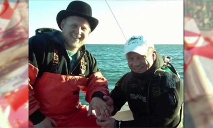 """Ring found in ocean: """"a Christmas miracle for us"""" (PHOTO)"""