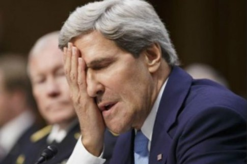 kerry-facepalm