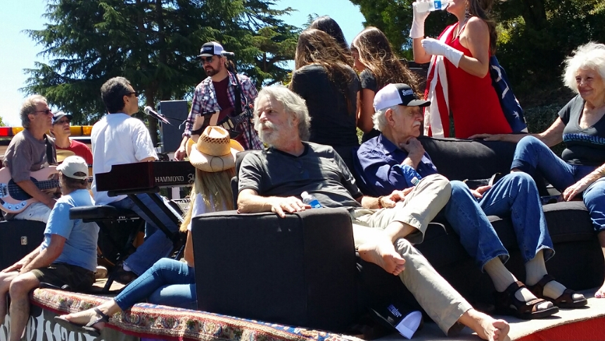 Weir Everywhere Dept: @BobWeir & dad Jack Parber, ret. Air Force, ride Sweetwater float in Mill Valley Memorial Day Parade