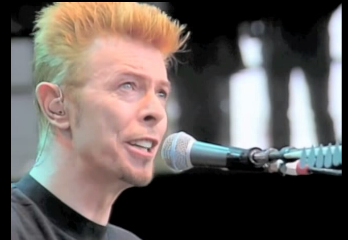 "VIDEO: David Bowie, Live Acoustic ""Heroes"" Bridge School Benefit, Shoreline Amphitheatre"