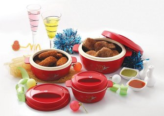 Amazon - Buy Cello Cuisine Insulated Plastic Casserole Gift Set, 3-Pieces, Mop Red for just Rs.479