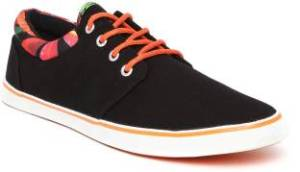 Flipkart- Buy Mast & Harbour Sneakers at upto 77 off