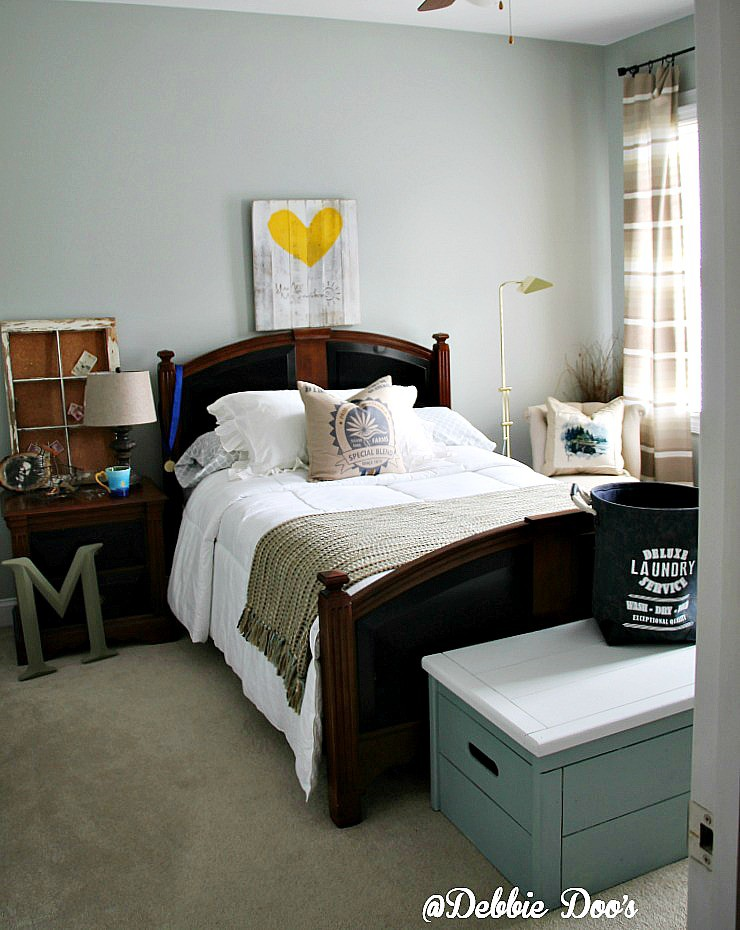 How to create a unisex bedroom - Debbiedoos - unisex bedroom ideas