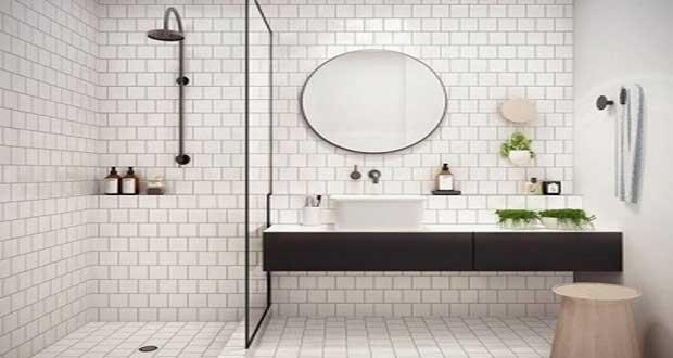 Petite salle de bain hyper bien aménagée Deco-Cool