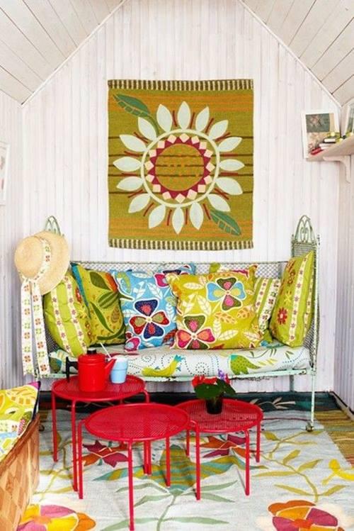 Estilo Naif Decoracion ~ Coqueta mezcla de tonos frescos, estampados naif y forja en estilo