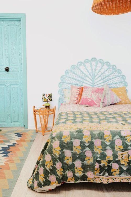 decoracion-de-habitaciones-con-cabeceros-y-sillas-peacock-4