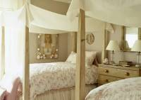 Canopy Bed Designs Adding Romance to Modern Bedroom ...