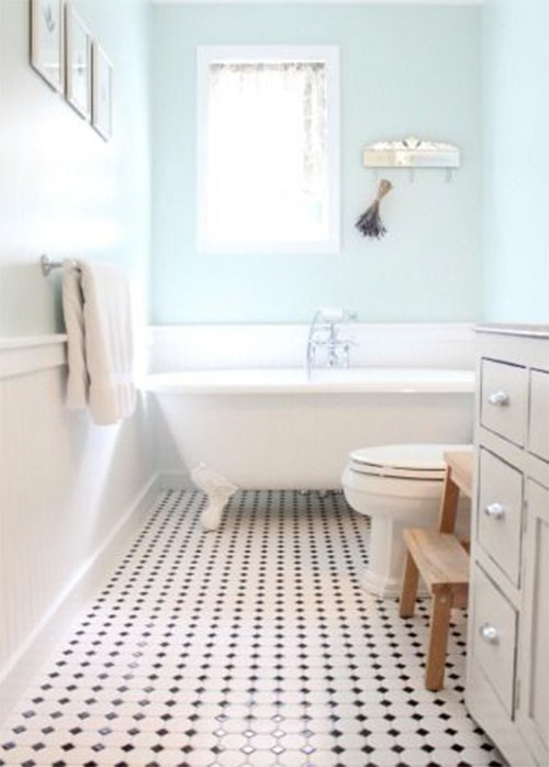 How to effectively merge modern and vintage designs in the bathroom
