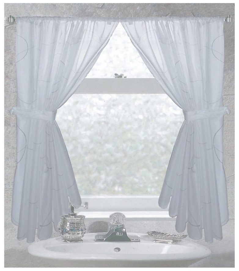 Tips \ Ideas for Choosing Bathroom Window Curtains (WITH PHOTOS!) - bathroom window curtain ideas