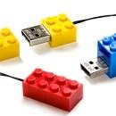 Après le disque dur, la clé USB Lego