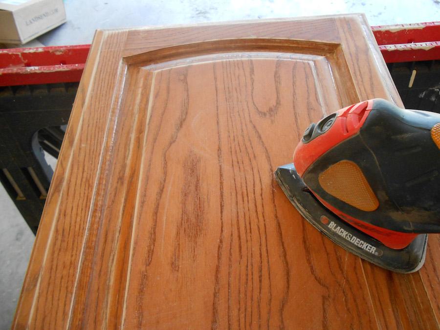 Repeindre ses meubles de cuisine sans soucis - Repeindre ses meubles de cuisine en bois ...