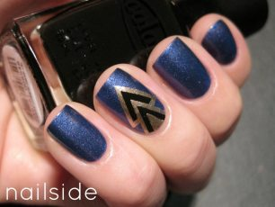 Blue Art Deco Nails