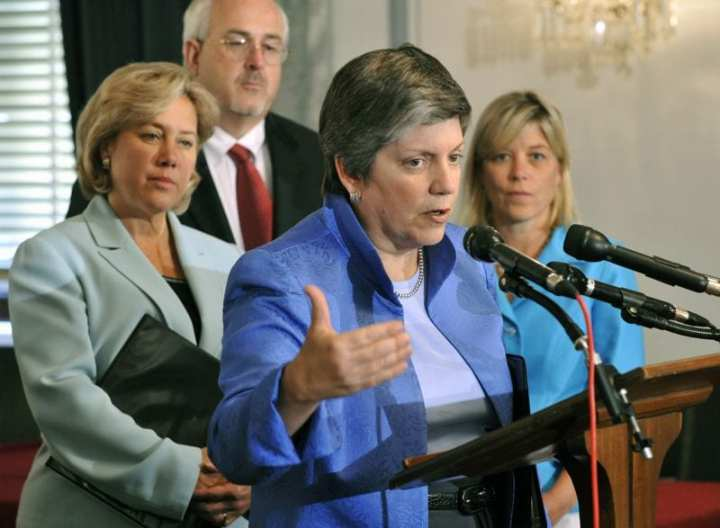 Department of Homeland Security Secretary Janet Napolitano speaks during a press conference on Gulf Coast rebuilding; with her are, far left, U.S. Sen. Mary L. Landrieu, La.; left, FEMA Administrator Craig Fugate; and right, DHS Gulf Coast Rebuilding Federal Coordinator Janet Woodka. Photo by Barry Bahler/DHS