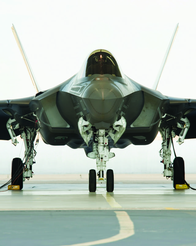 nose gear and folding wings of F-35