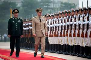 CJCS Mullen reviews Chinese troops