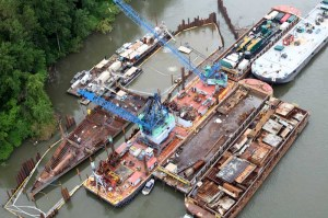 Flat Deck Barge Davy Crockett Disassembly