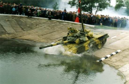 Russian T90 Tank Drives Underwater
