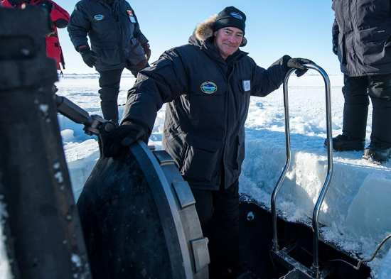 USS Hartford (SSN 768) Surfaces Through Arctic Ice | Video