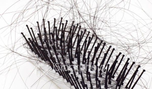 ist2_5690142-hairloss