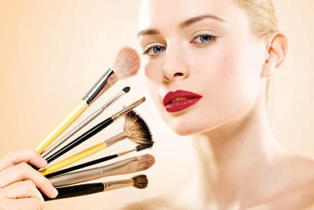makeup Cómo maquillarte para corregir pequeños defectos