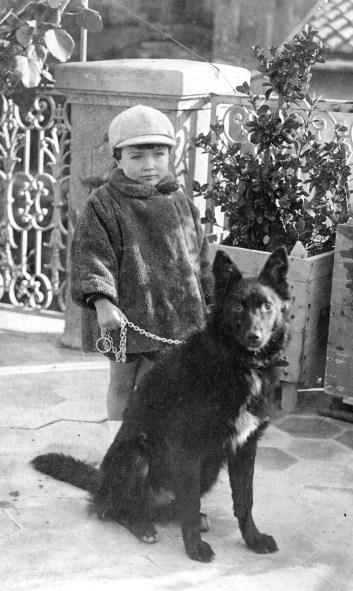 avec son premier chien Siki