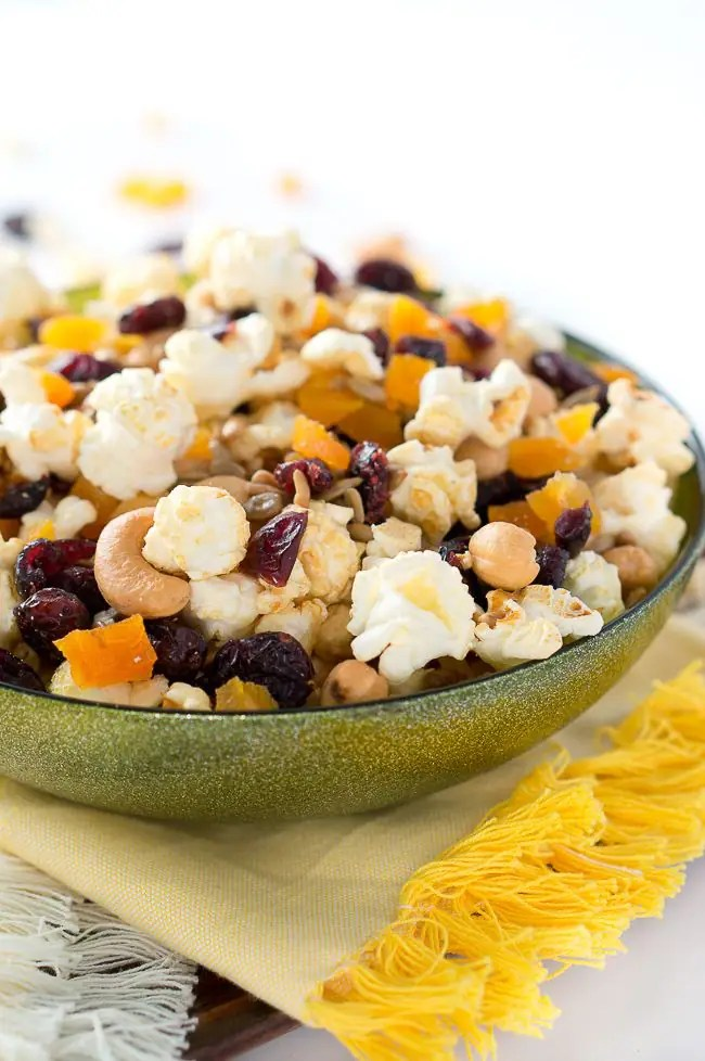 up with BOOMCHICKAPOP to share with you this healthy popcorn trail mix ...