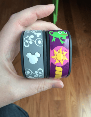 Use nail polish to decorate your magic band